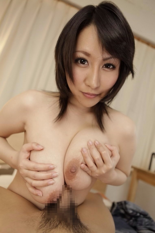 【パイズリエロ画像】爆乳お姉さんの柔らかいおっぱいに包まれてみたい!!!