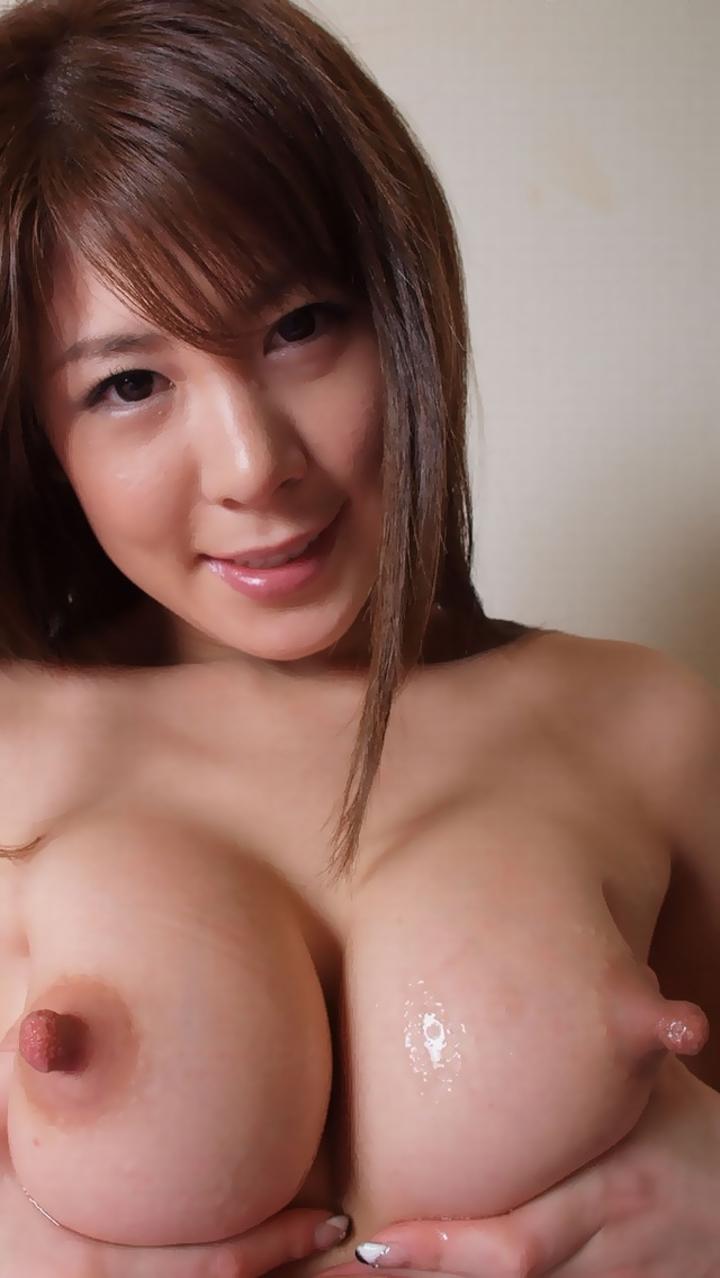 【乳首エロ画像】この勃ちで第一段階w更に上があるなら見たいピン勃ち乳首(*´д`*)