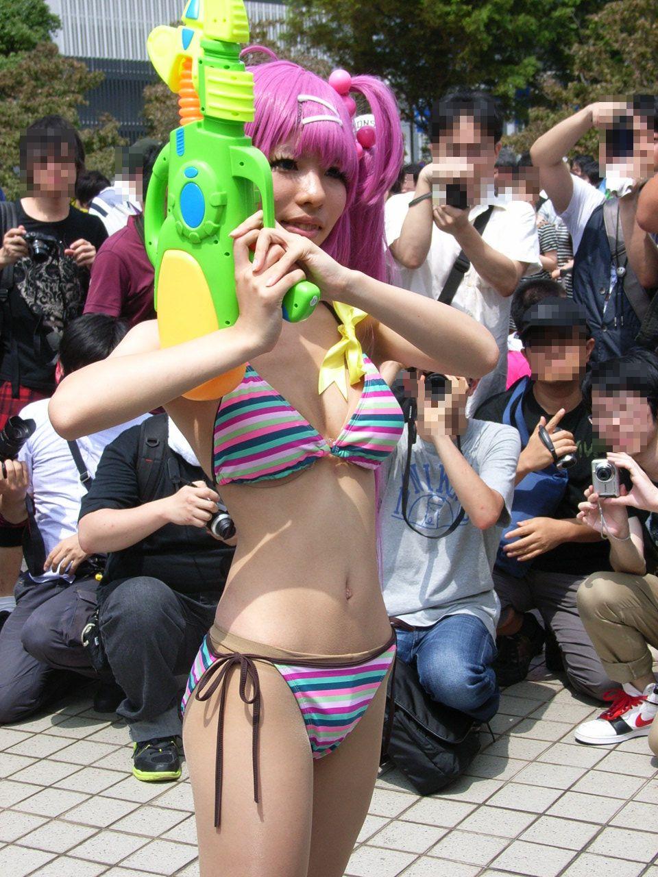 【コスプレエロ画像】この衣装と肉体で食ってる人もw絶品ボディコスプレイヤー(;´Д`)