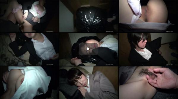 【エロ動画】路上で寝て不用心な…だから持ち帰ってヤられた泥酔OLたち(*゚∀゚)=3 03