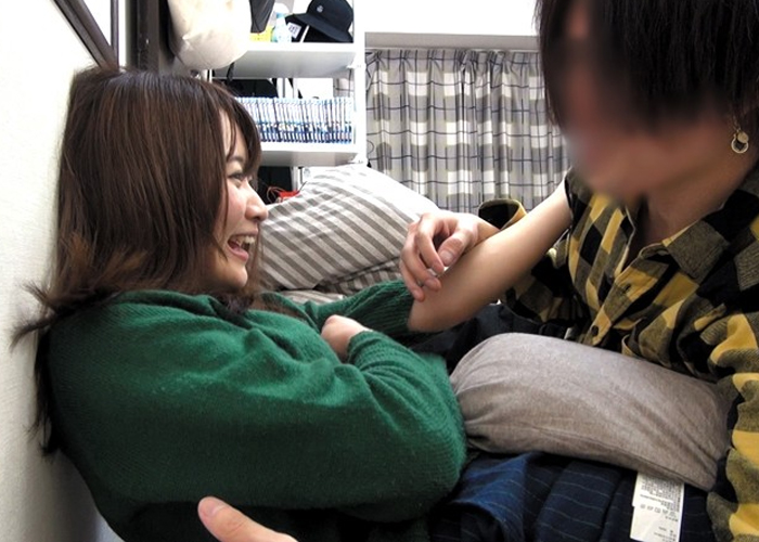 【エロ動画】彼氏持ちでも可愛いからヤる!美形ギャルを連れ込みセクロス隠し撮り(*゚∀゚)=3 01