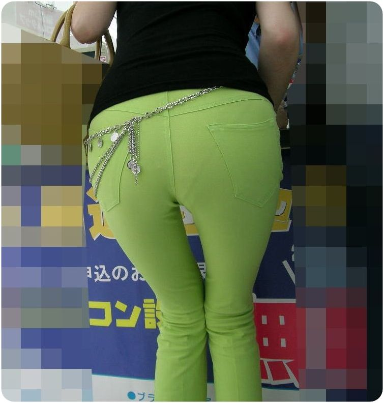 【透け下着エロ画像】見えちゃっているけど平気!?覗く手間いらずの下着浮き透け(*´Д`)