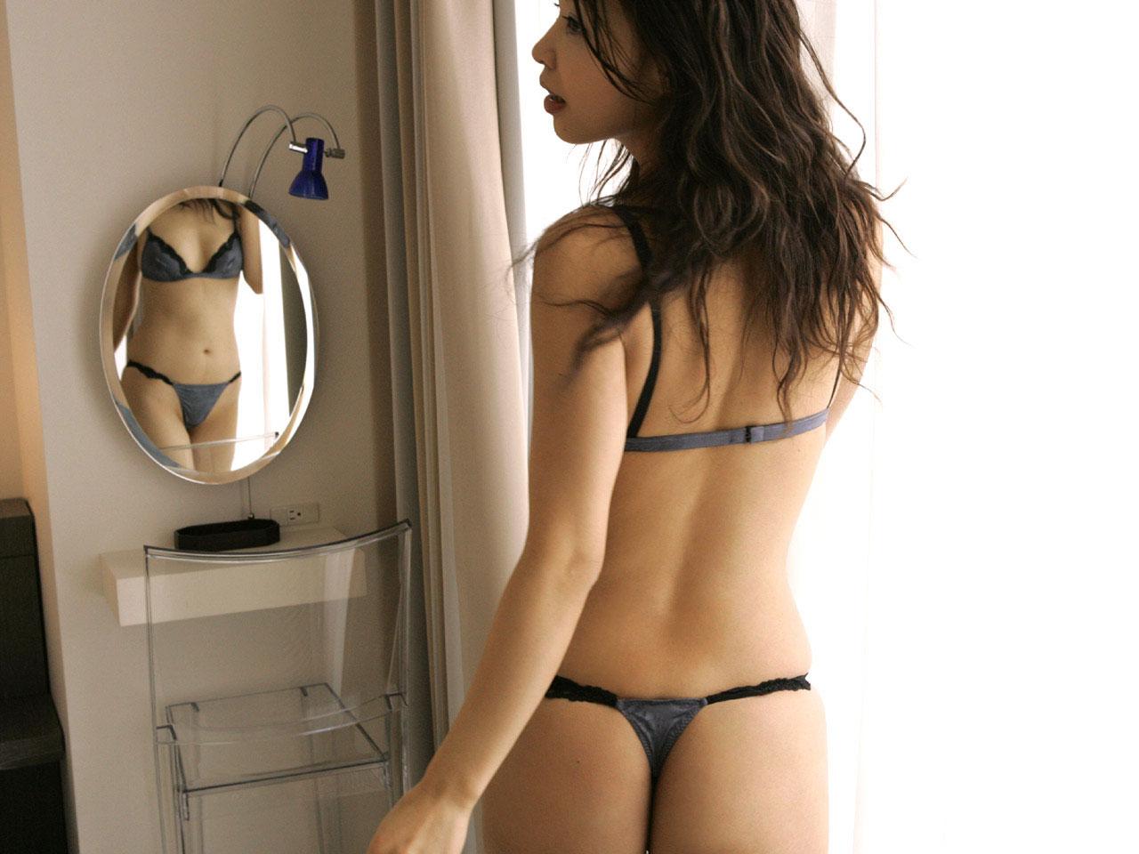 非処女がよく着てそうな黒下着のエロ画像 part8