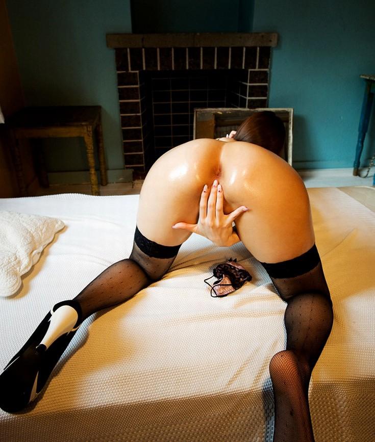 【アナルエロ画像】侵入するかは…迷う前に舐めて落ち着こう女のアナル鑑賞(;´Д`)