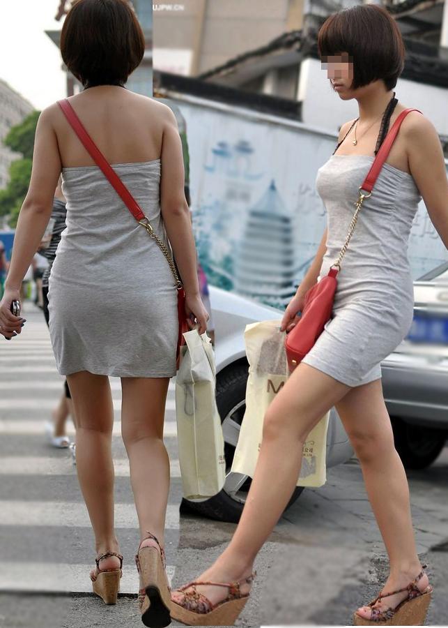 【素人街撮りエロ画像】綺麗な美脚を見ると思わずため息が出て見入ってしまいますよねwww