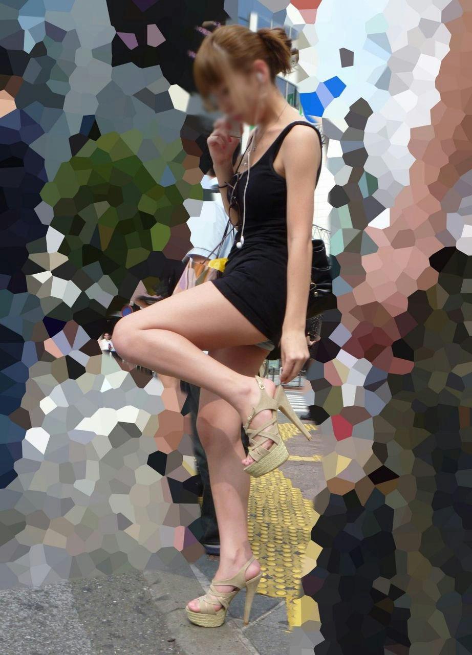 【パンチラエロ画像】ついうっかり…見える自覚がないとすぐ丸見えなミニスカ女子(*´Д`)
