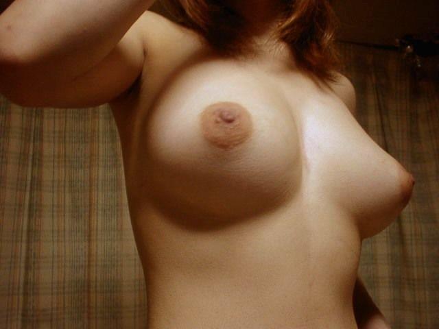 【自撮りエロ画像】AVに飽きたら女神に頼ろう!抜ける乳は必ずあるSNSで見つけた裸体写メ(*´Д`)