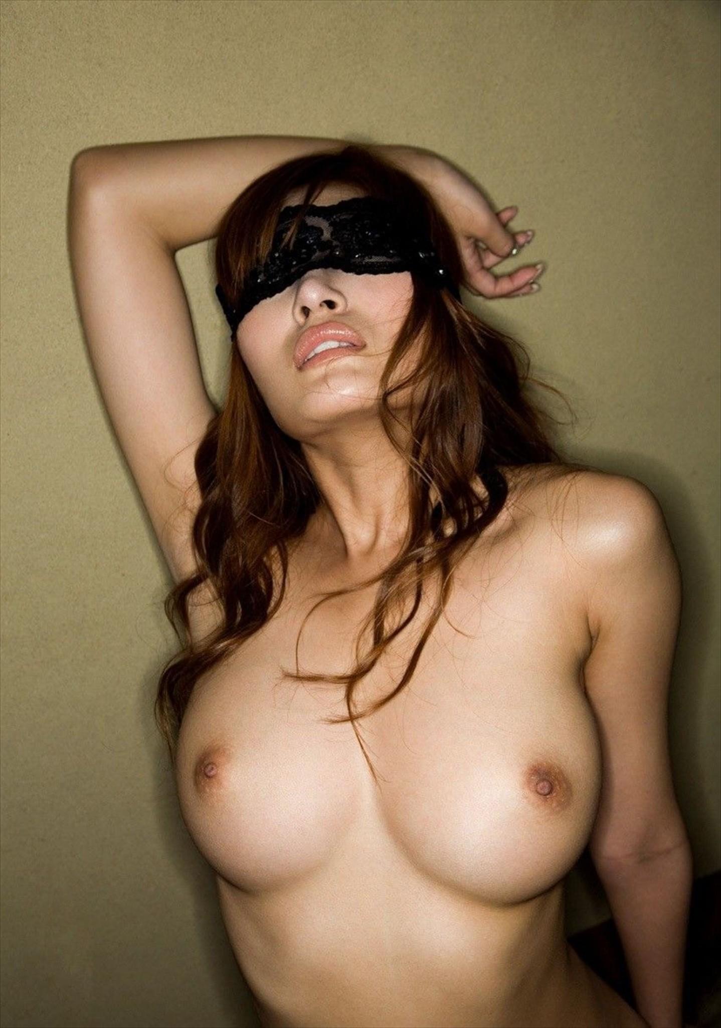 【開眼】たったこれだけで!?彼女の感度が倍増するおすすめ超絶アイテムwww