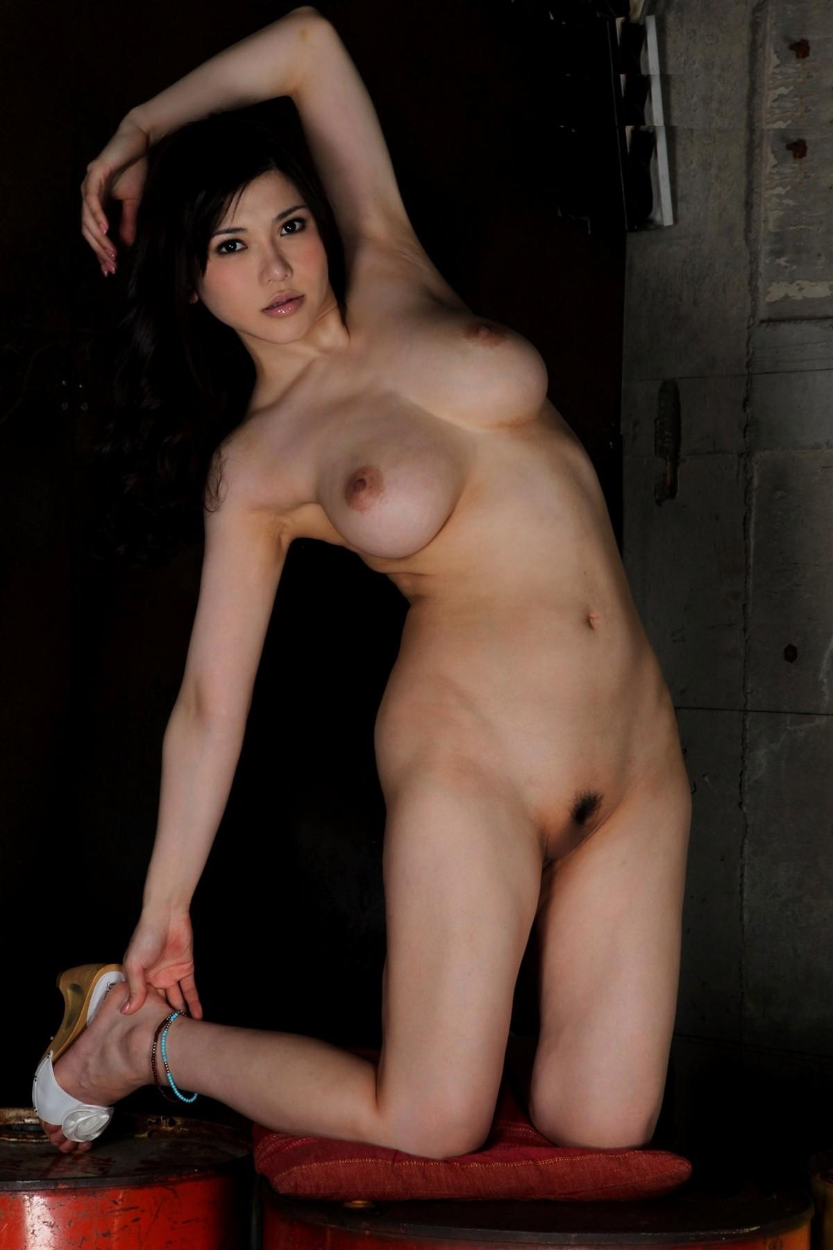 【股間エロ画像】土手までなら許せる!股下は不要とされる淑女の陰毛(*´д`*)
