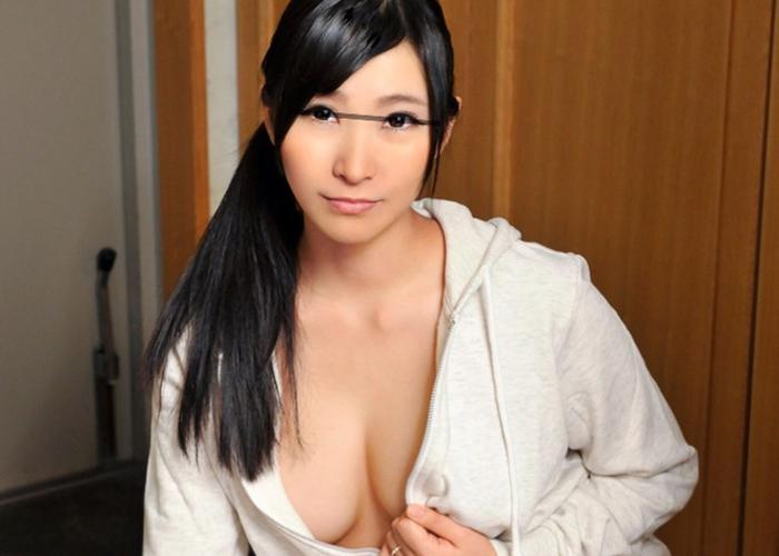 【エロ動画】誘ってるので決定!ノーブラパーカー巨乳妻と激しい過ち(*゚∀゚)=3 01