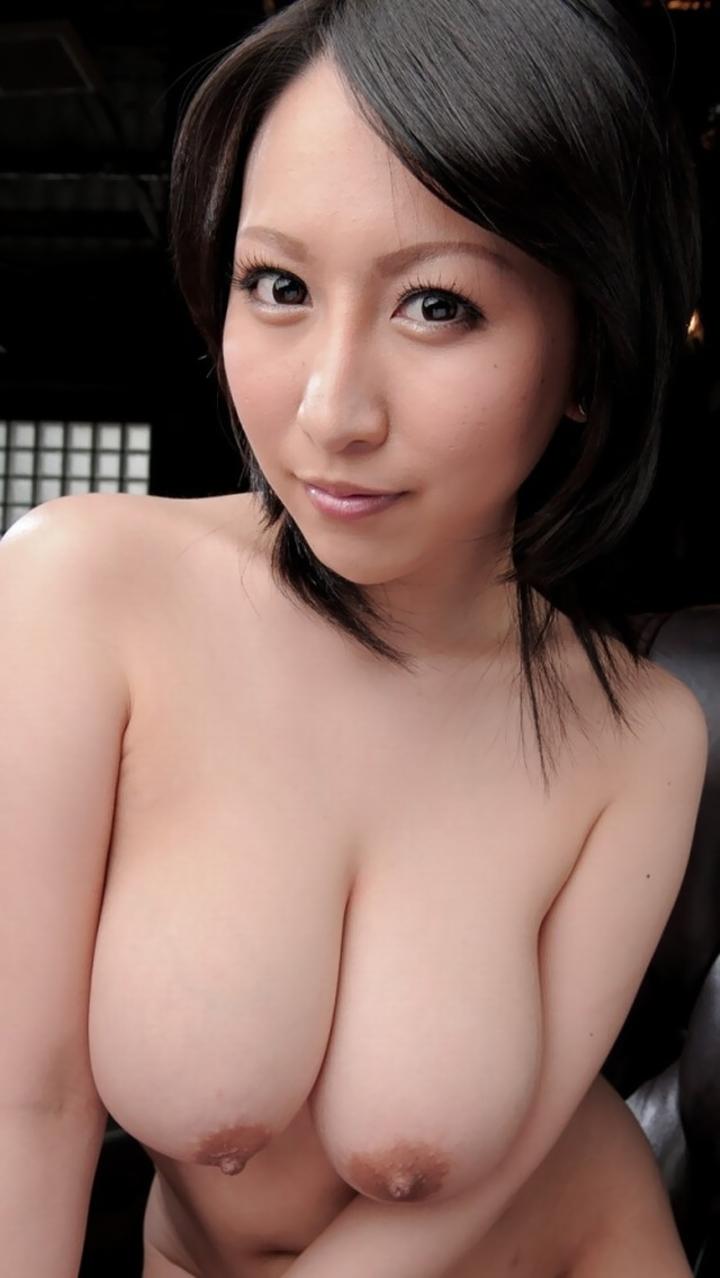 【爆乳エロ画像】巨乳を超えた!日本も密かに爆乳率が上昇中との事(*´д`*)