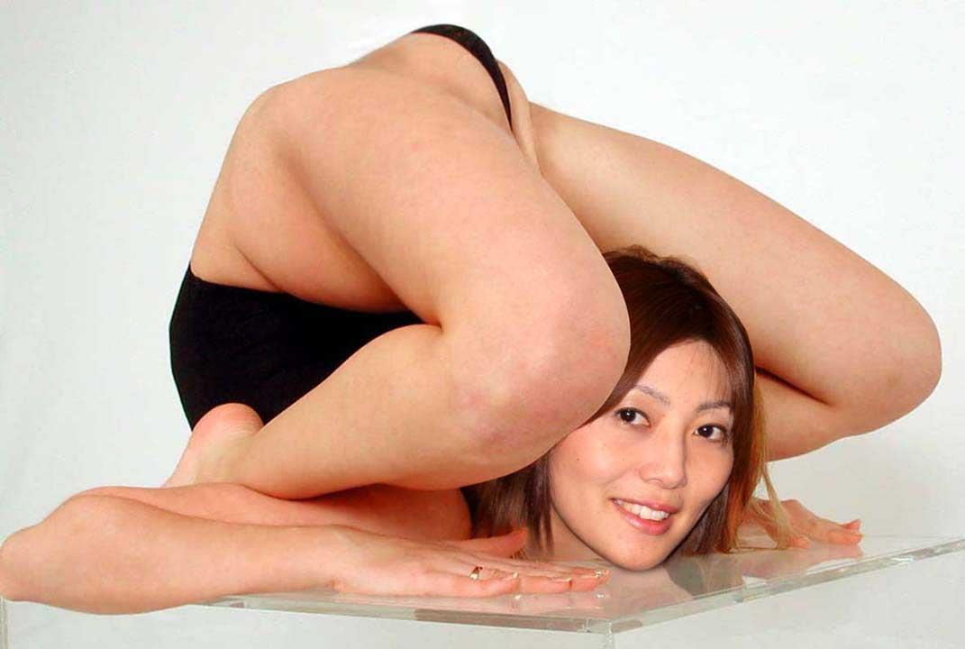 【軟体エロ画像】是非とも体位で使いたい!軟体美女の強烈な官能的ポーズ(*´Д`)