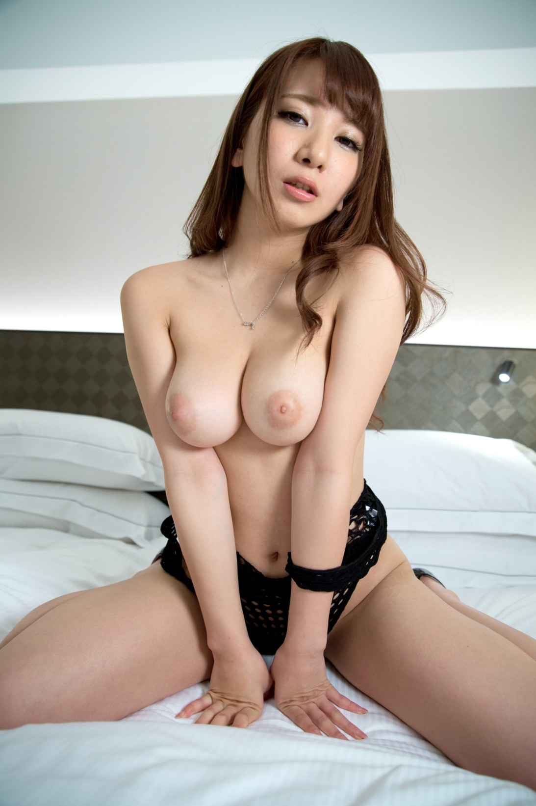 乳首がエロすぐると評判の園田さんのプレステ移籍初AV