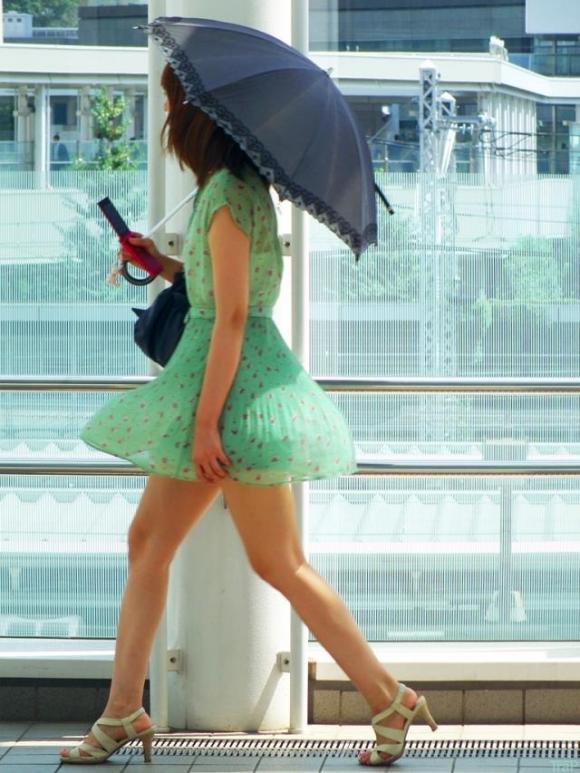 【ミニスカエロ画像】モデルでもない素人美女たちが持つお尻や生脚はいつ見てもいい!!!