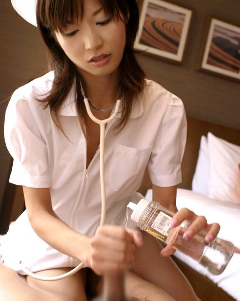 【手コキエロ画像】頼みやすいからw抜き無しならして欲しい手コキご奉仕(*´Д`)