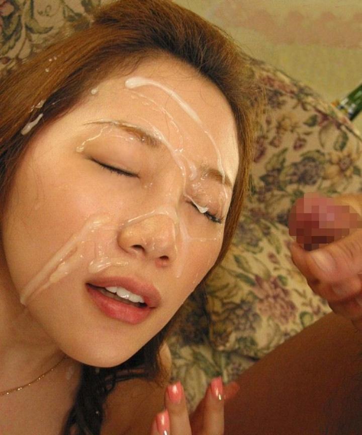 【顔射エロ画像】化粧ごと落とさなきゃ…後先考えずのザーメン大量顔射(゜ロ゜ノ)ノ