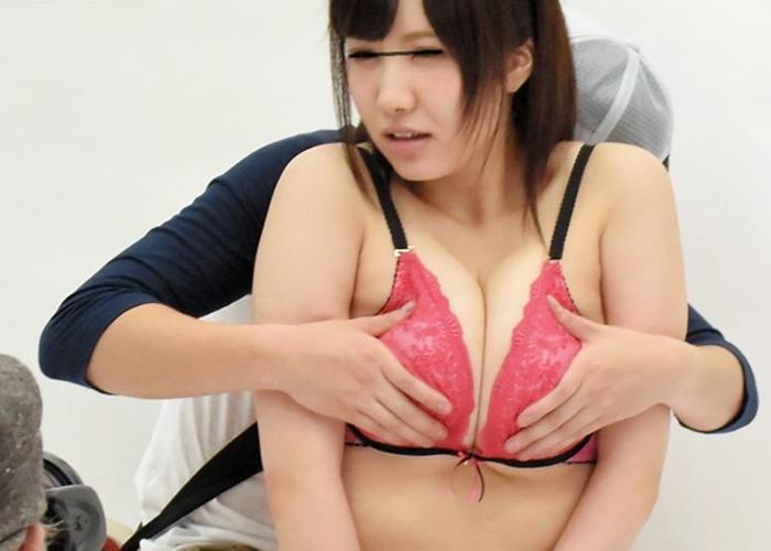 【エロ動画】モデル代打が仇となり…下着メーカーOLとセクハラ撮影(*゚∀゚)=3