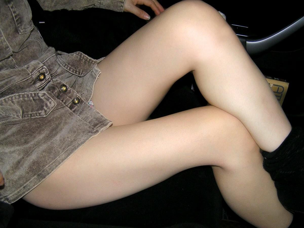 【美脚エロ画像】中身は夢でいっぱいwムッチリ最高な女子の太もも(*´д`*)