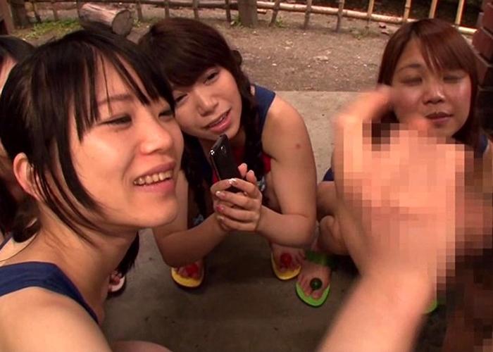 【エロ動画】調教の賜物ですw変態教師を逆輪姦する美少女たちの輪姦学校(*゚∀゚)=3 01