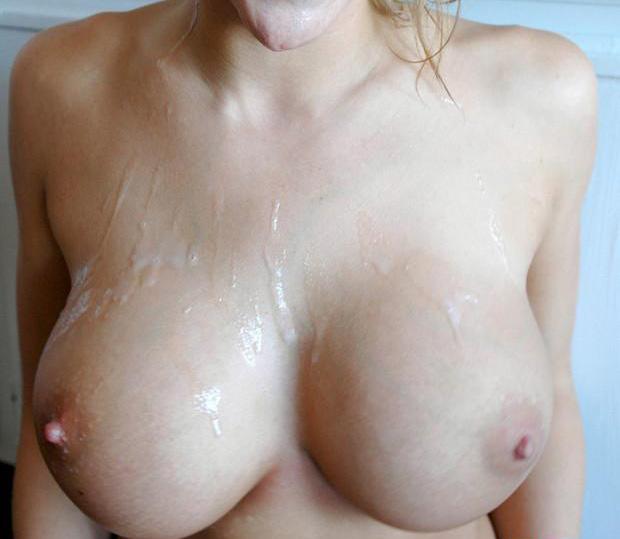 【ぶっかけエロ画像】おっぱいを俺のモノに出来たみたいな乳ぶっかけ(;´Д`)