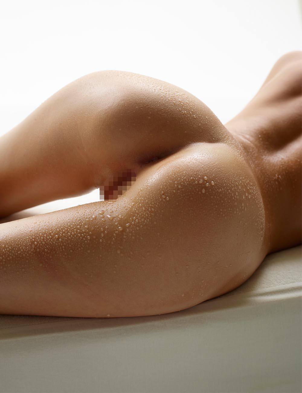 【海外エロ画像】くびれも重要!丸くて大きくて間違いなく美味な海外産の美巨尻(*´Д`)