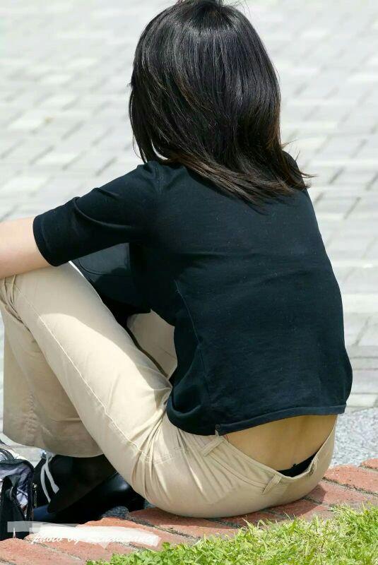 【ローライズエロ画像】腰パンは認めないけどローライズは大歓迎!そそる腰パンツ鑑賞(;´Д`)