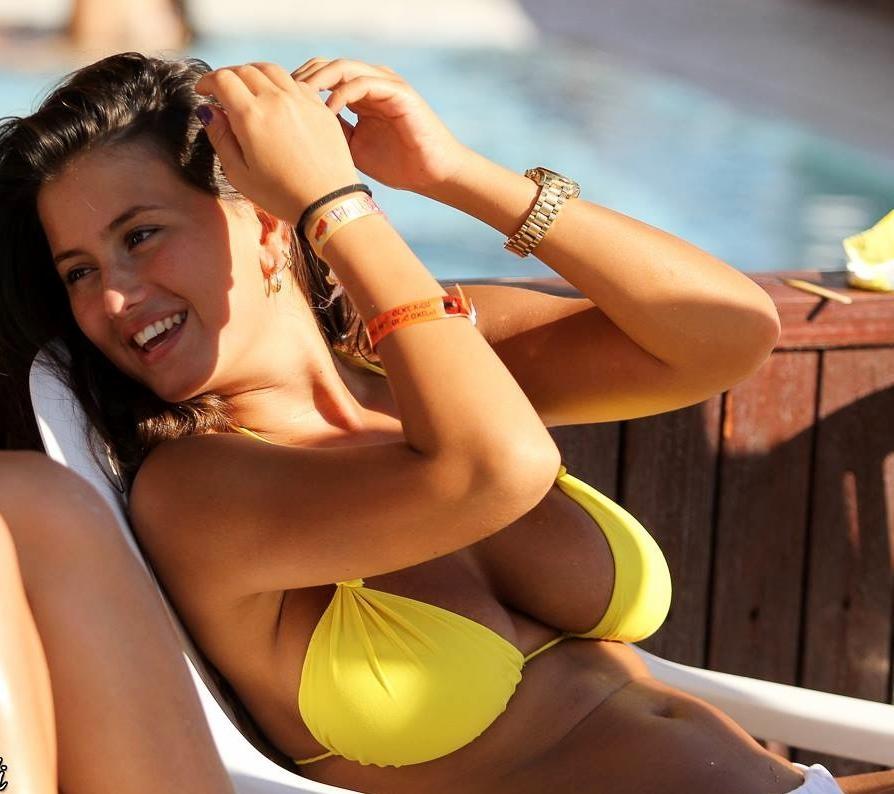 【海外エロ画像】全方位ビキニ巨乳だらけ!憧れの海外リゾートと絶品ボディ美女(*´Д`)