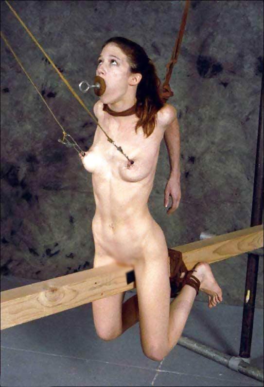 【SMエロ画像】調教して!と言わせるまで…地味でも過酷な拘束放置プレイ(;´∀`)