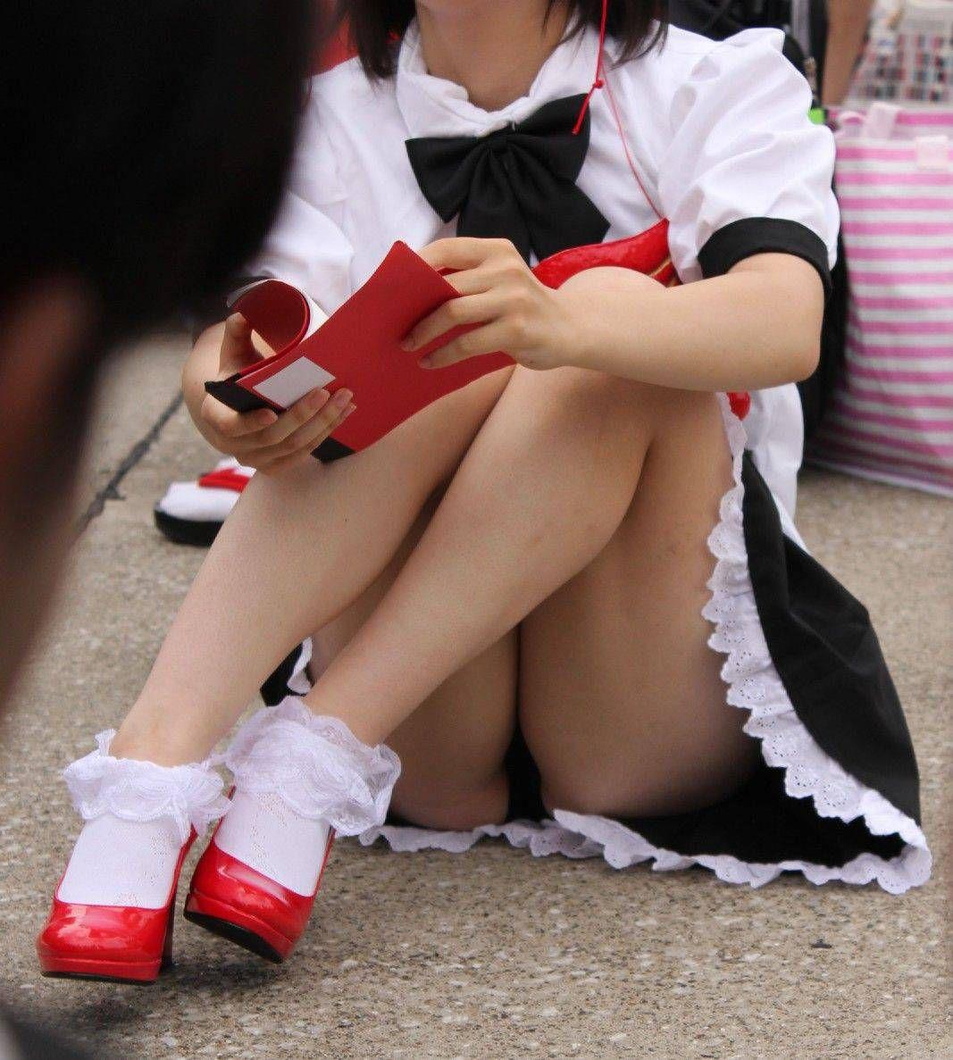 【コスプレエロ画像】ムッチリ揃いで見逃せないコスプレイヤー達の美脚(;´Д`)