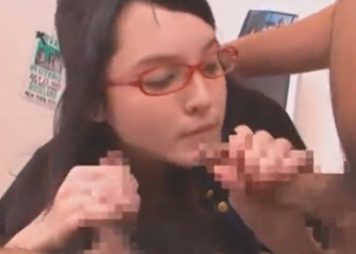 【エロ動画】ハードな串刺し3Pに挑んでイキまくる可愛い眼鏡美少女!(*゚∀゚)=3 01