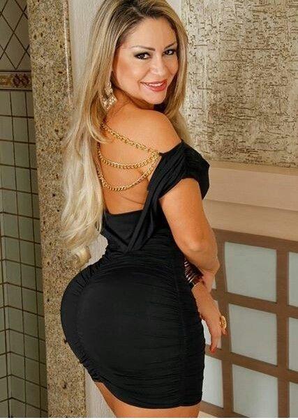 【着尻エロ画像】社交界に男釣り目的wタイトドレスで際立つセレブの巨尻(*´Д`)
