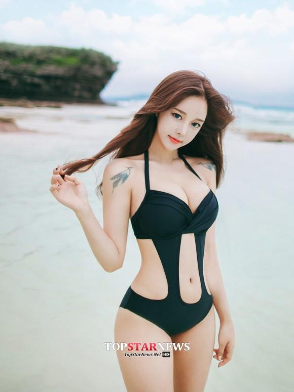 股間が正直になる韓国ビキニギャルのエロ画像 part3