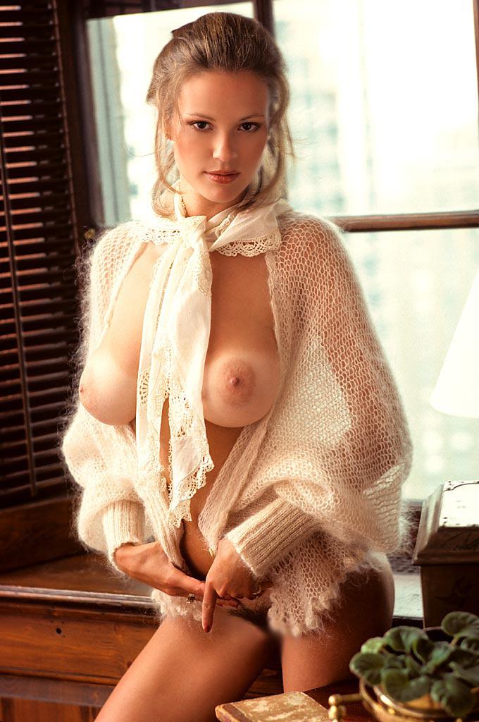 【日焼け女体エロ画像】破廉恥なビキニ着てた事もバレバレw外人さんの部分的に真っ白おっぱい(;´∀`)