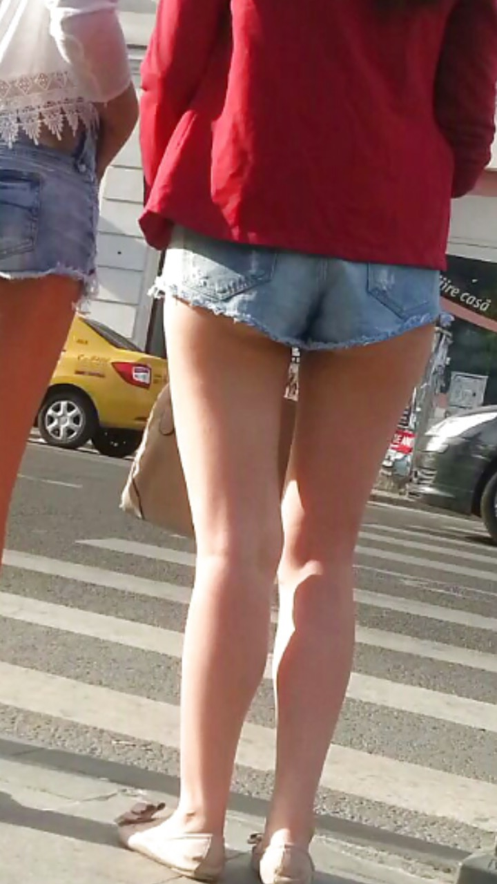 【ホットパンツエロ画像】こんな格好で前歩かれたら…追跡確定な街のハミ尻(*´Д`)