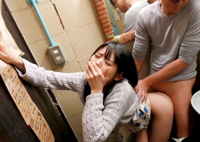【エロ動画】声出したら終わる!叫びたいけどバレたくない美少女の静かなる絶頂(*゚∀゚)=3