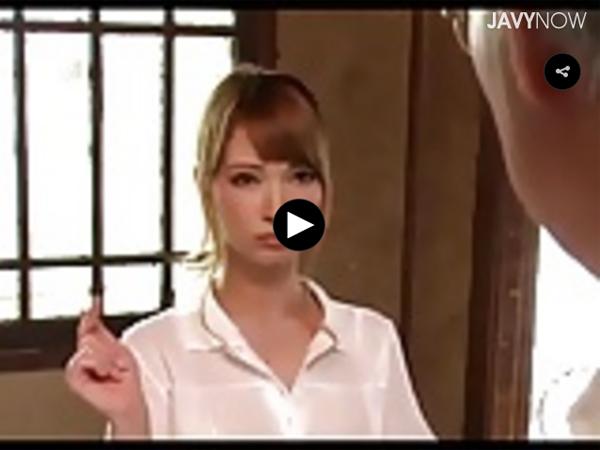 【エロ動画】スケベすぎる爆乳ハーフ介護士に爺さん達も下半身が若返る!(*゚∀゚)=3 03
