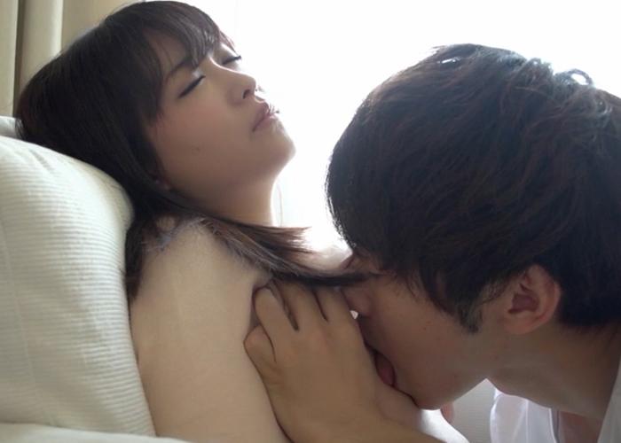 【エロ動画】可愛いけどベッド上ではエロい!騎乗位好きな美少女の痴態(;゚∀゚)=3 01