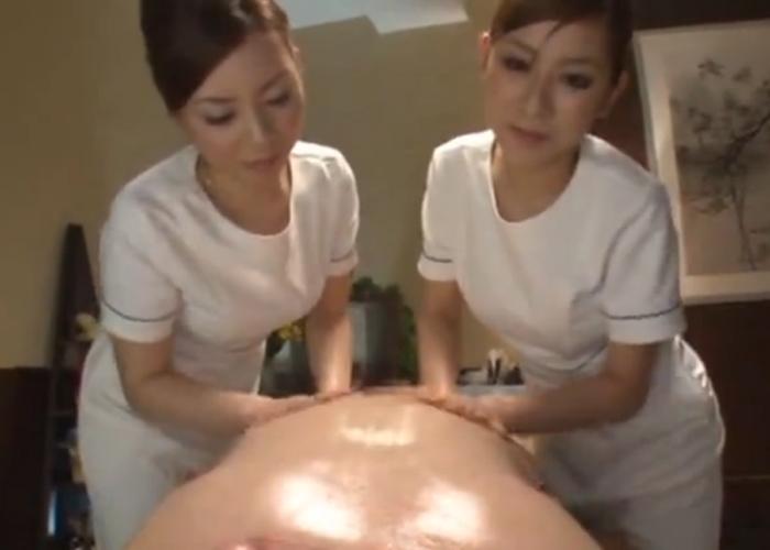 【エロ動画】ケツからの刺激もぬかりなくw痴女エステティシャンズの超快感マッサージ(*゚∀゚)=3 01