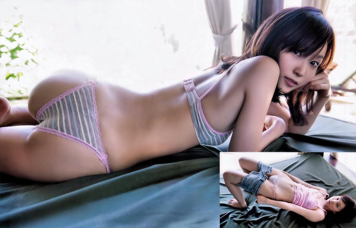 【下着女子エロ画像】大人が履いても似合う!?可愛い尻には縞パンが鉄板(*´д`*)