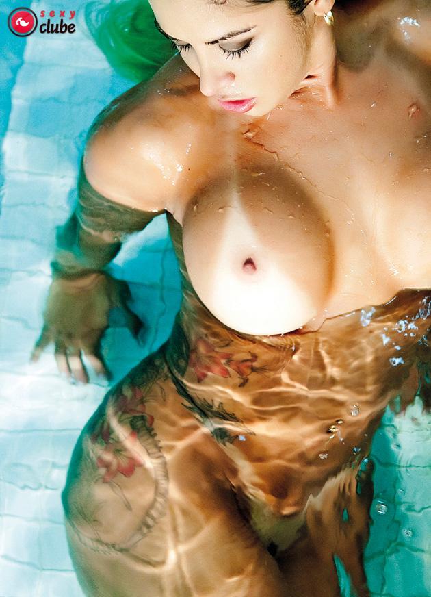 【日焼けエロ画像】剥けるか薄れるまで味わうべし!日焼けボディと真っ白乳(*´Д`)