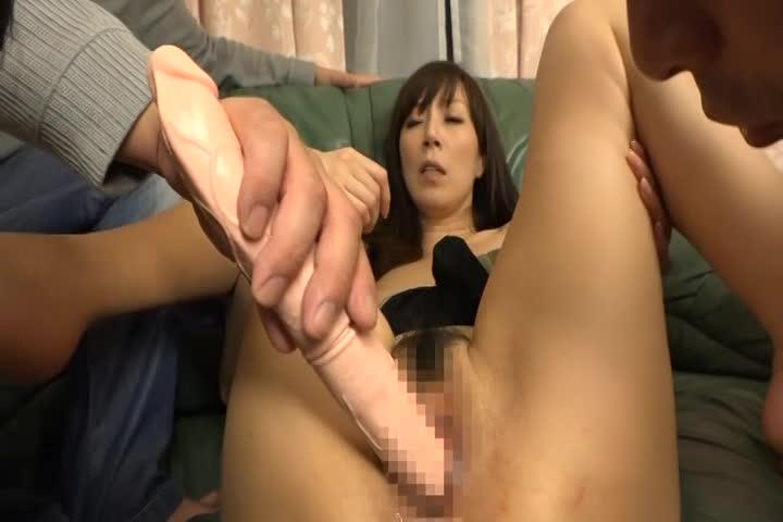 息子の性教育のために旦那と一緒に身体を張る熟女