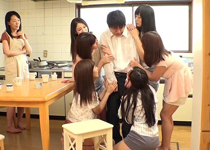 【エロ動画】近所のママ友集団に抜かれまくりのマンション内ハーレム!(;゚∀゚)=3 01