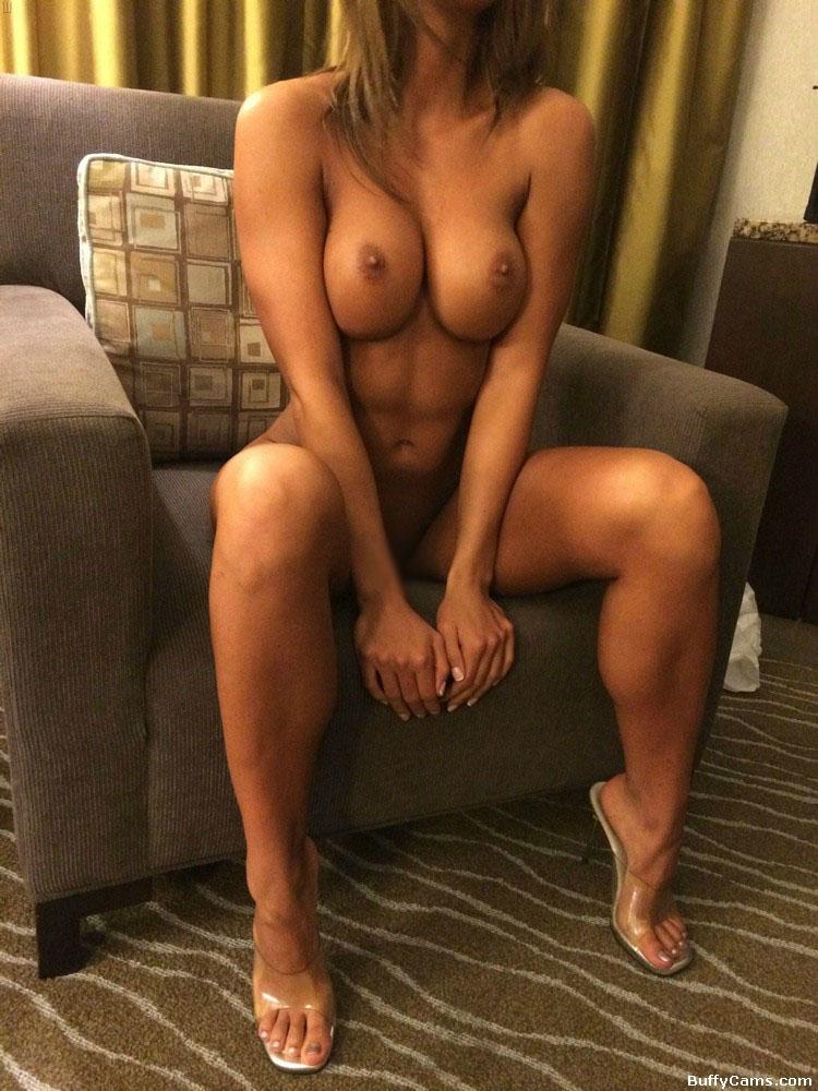 【海外エロ画像】締め付けが凄そう…ややマッチョ系美女たちのそそる裸身(*´Д`)