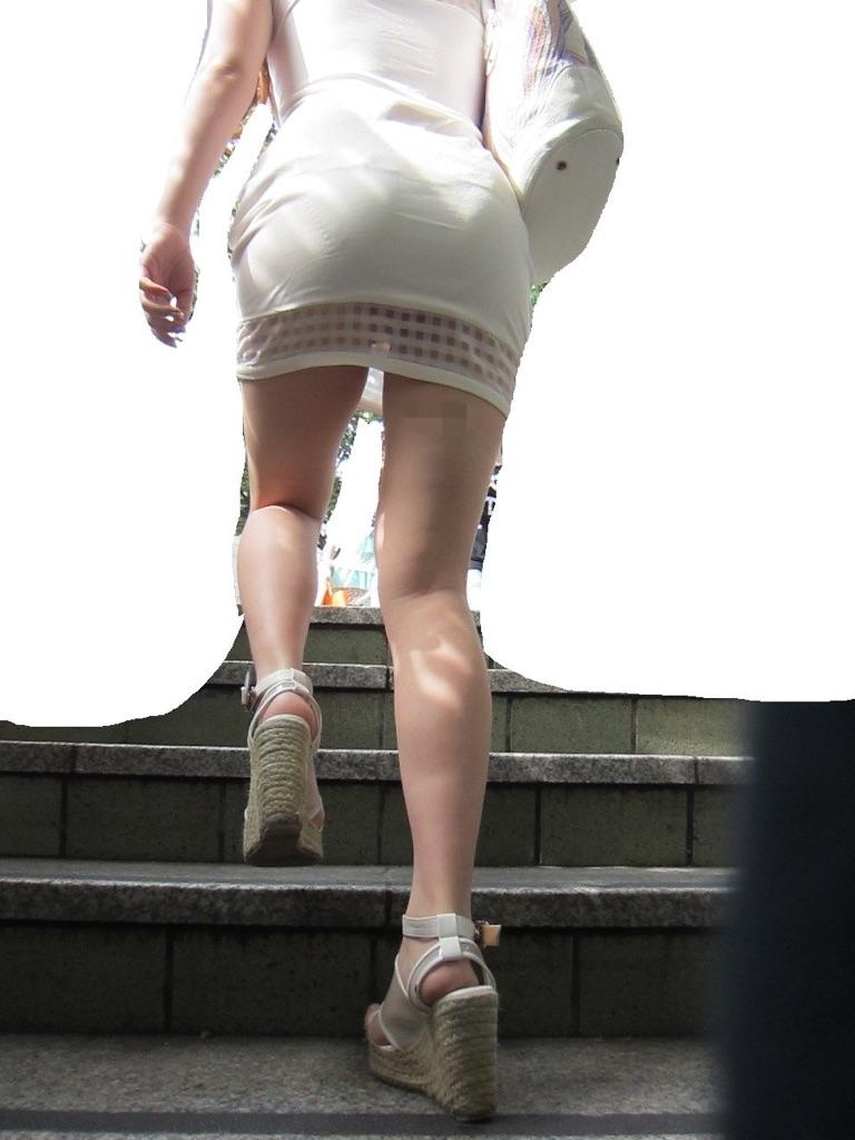 【パンチラエロ画像】だって見たかったし!見上げて感動ミニスカのおパンツ(*´Д`)