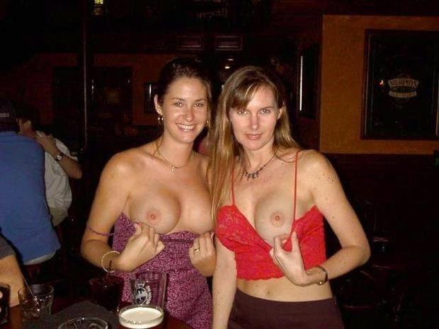 【悪ノリエロ画像】簡単にヤれる!?晒した乳に期待を持ちたい泥酔エロノリ外人(*´Д`)