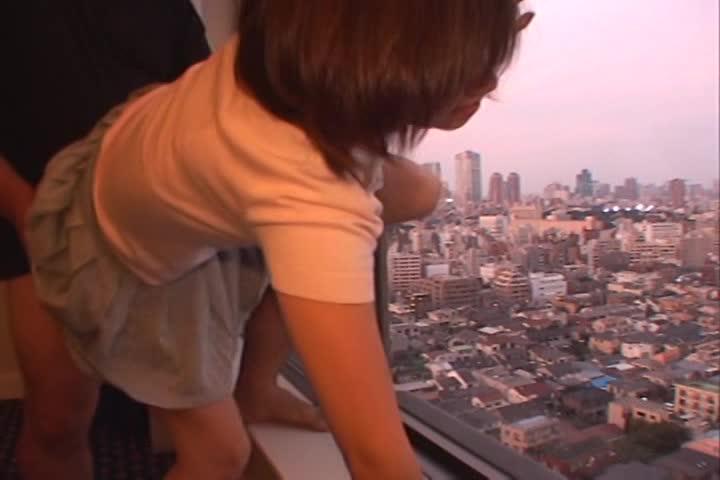 藤崎もえとプライベートで着衣ハメ撮り!