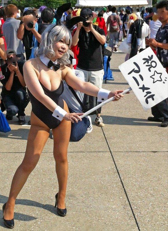 【コスプレエロ画像】今時のスタイル抜群レイヤーの攻め全力のおっぱい(*´д`*)