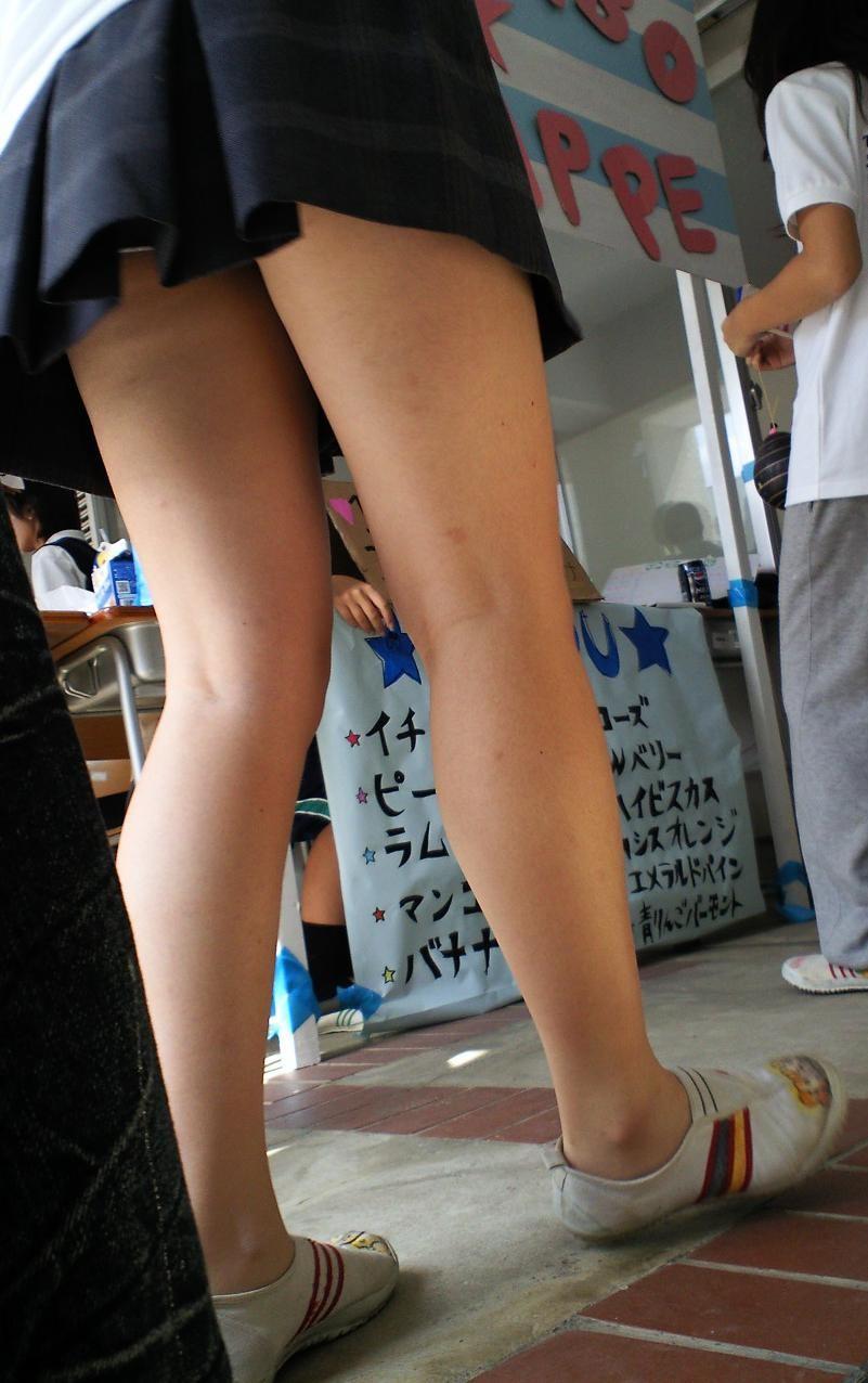【美脚エロ画像】危うく見逃すとこだった…美脚なら見過ごせない膝の裏(;´Д`)