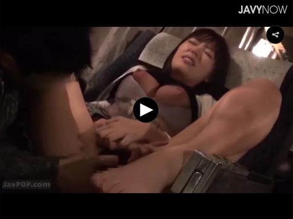 【エロ動画】夜行バスでもたれてきた隣の娘をこっそりと夜這いセックス!(;゚∀゚)=3 03