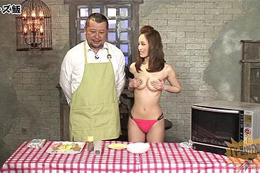 【TVお宝エ●画像】ケンコバからは見えている?バコバコテレビの手ブラクッキングwww